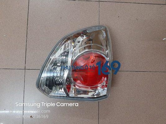 Đèn hậu miếng ngoài Toyota Fortuner